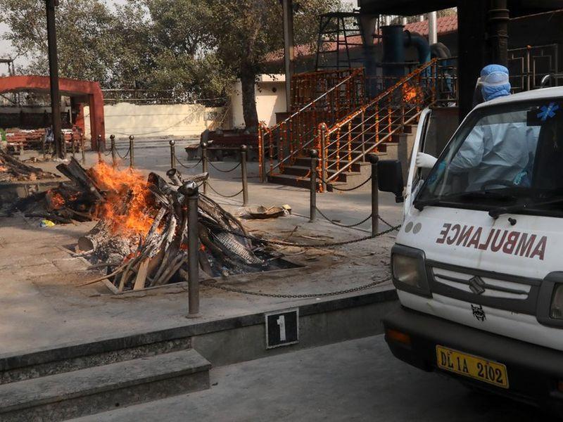 India, devastată de COVID-19. Record de morți în fiecare zi
