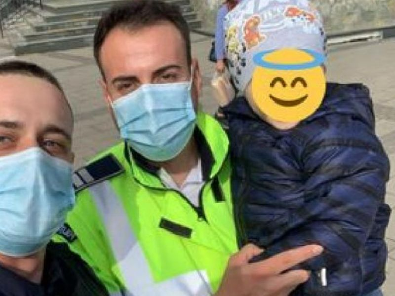 Copilul, găsit de echipajul de poliție