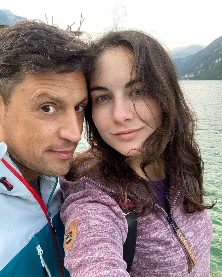 """Daniel Pavel, dezvăluiri emoționante! Prezentatorul Survivor România îi duce dorul iubitei: """"Te arde carne și sufletul..."""""""