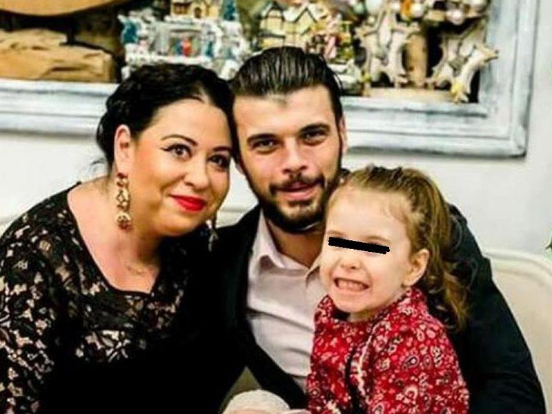 Oana Roman și Marius Elisei, din nou împreună. Foștii soți au plecat într-o vacanță alături de fiica lor