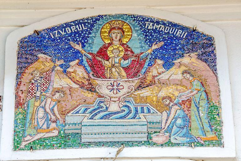 Izvorul Tămăduirii, 7 Mai 2021. Sărbătoare mare în calendarul creştin ortodox în Săptămâna Luminată