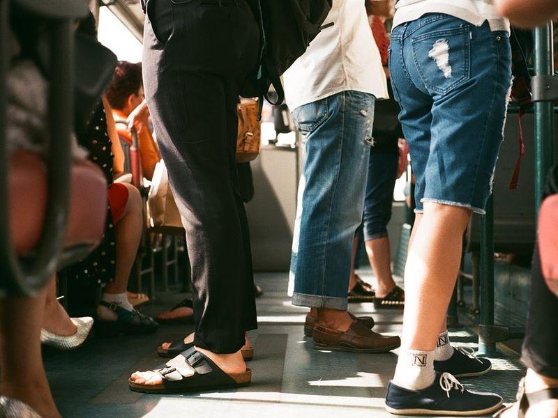Regulile de călătorie cu autobuzele și metroul în București se schimbă