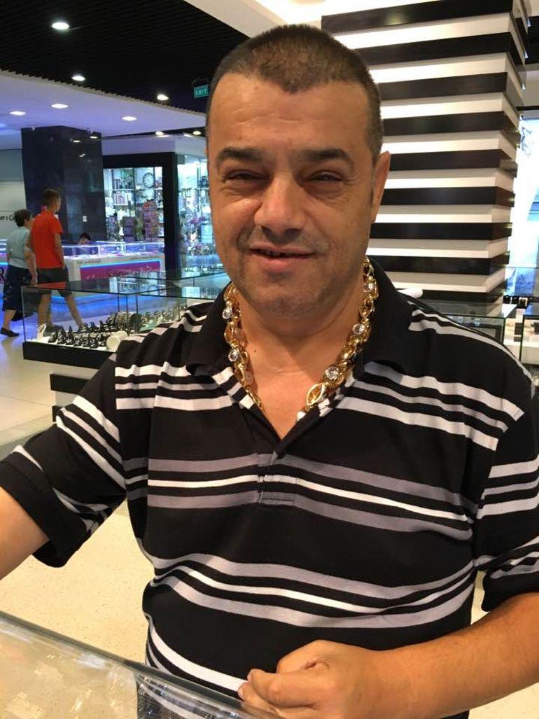 """Denisa Răducu, acuzată că făcea trafic de droguri! Ion Petrișor, impresarul mort de COVID, a umilit-o pe cântăreață în văzul lumii: """"Mai ești virgină..."""""""