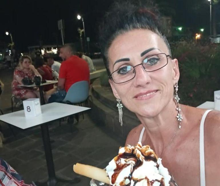 """Mihaela, fosta şefă a Finanţelor din Arad, găsită moartă în locuința din Italia. Fiica ei își strigă durerea: """"Nu i-am spus că o iubesc pentru ultima oară"""""""
