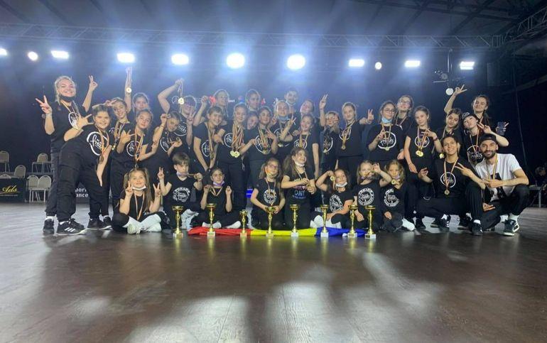 VIDEO Ei sunt cei mai buni dansatori de street dance din România. Tinerii craioveni, campioni naționali