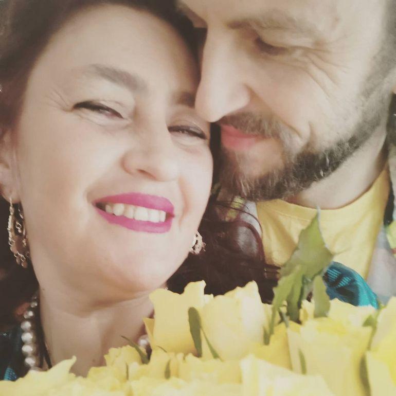"""O nouă despărțire în showbiz! Rona Hartner și soțul ei, Herve, divorțează! Artista a spus și motivul: """"De o lună și jumătate suntem separați"""""""