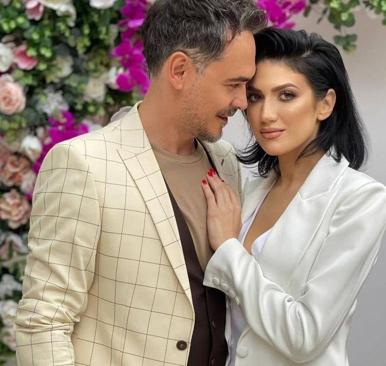 Răzvan Simion, apariție de senzație la nunta lui Dani Oțil. Prezentatorul, alături de iubita lui: