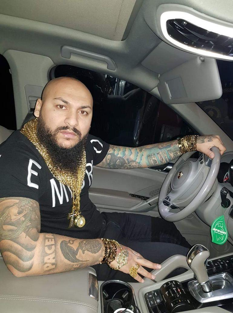 Dani Mocanu, un nou dosar penal! Manelistul riscă 3 ani de închisoare pentru că a fost prins de mai multe ori conducând fără permis! EXCLUSIV