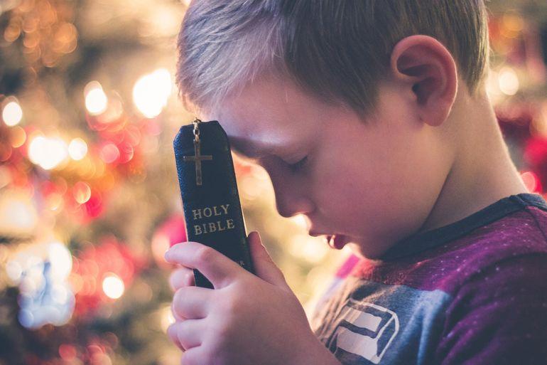 Rugăciunea copiilor pentru părinți. Este important să ne rugăm pentru cei care ne-au dat viaţă