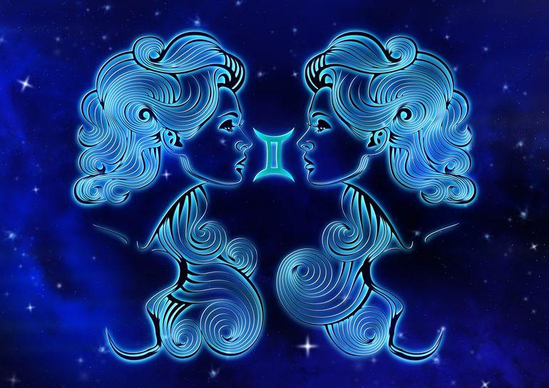 Horoscopul săptămânal 7-13 iunie 2021.  Nativii din zodia Vărsător sunt pe punctul de a lua o decizie greșită