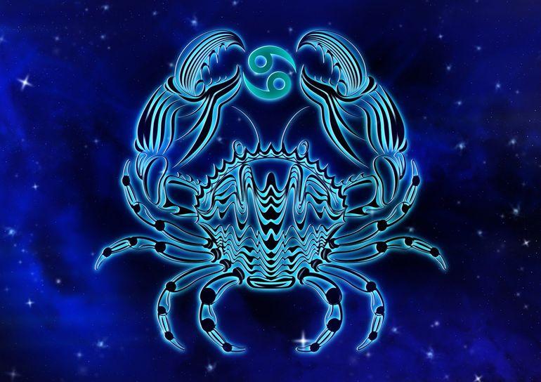 Horoscopul zilei, 13 iunie 2021. Nativii din zodia Rac se vor simți singuri