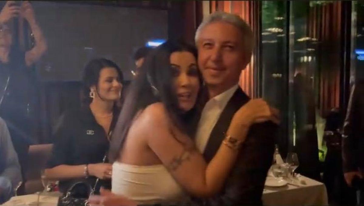Cum arată Dan Diaconescu după ce a dispărut din spațiul public. Omul de televiziune, surprins alături de Oana Zăvoranu, la restaurant, de ziua divei - WOWBiz