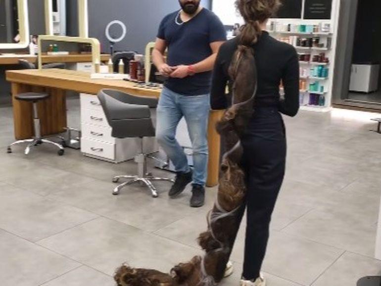 Femeia cu cel mai lung păr din lume s-a tuns! Cum arată acum