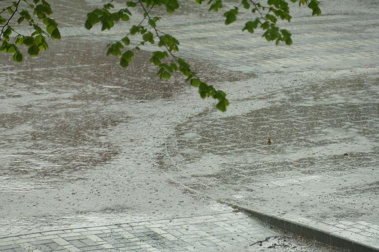Fenomene meteo extreme amenință România! Un ciclon violent este așteptat să ajungă în următoarele ore în țară