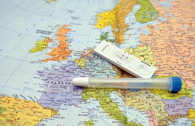 CNSU, noi decizii pentru cei care se întorc în România din țări cu risc epidemiologic ridicat
