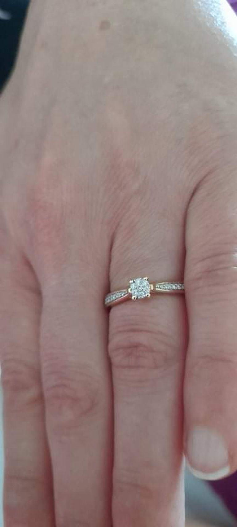 Mihai Onilă și-a cerut iubita în căsătorie! Cine este femeia care i-a furat inima artistului