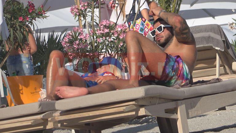 EXCLUSIV! Anda Adam și iubitul ei forțos, ATINGERI INTERZISE la plajă! S-au încins la soare, ca micii pe grătare