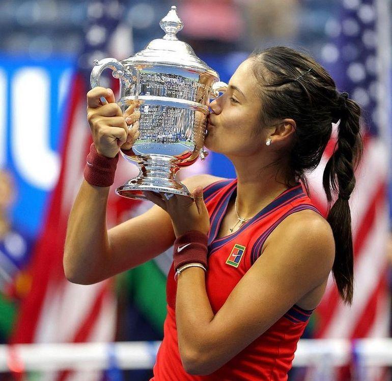 Emma Răducanu, vedeta momentului în tenis. Performanță incredibilă la 18 ani