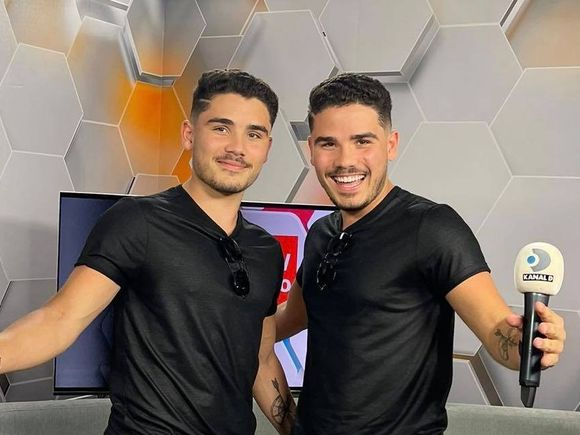 Ido-Twins, gemenii români din Canada, în studioul WOWbiz! Interviu EXCLUSIV cu tinerii care au înnebunit Tik Tok-ul