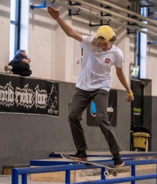 patric-ilut-skateboard--crop-1634227524.jpeg