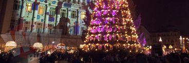 Ce frumos e luminat centrul Capitalei! Vezi imaginile care o sa te faca sa iesi la plimbare pe bulevardul Magheru