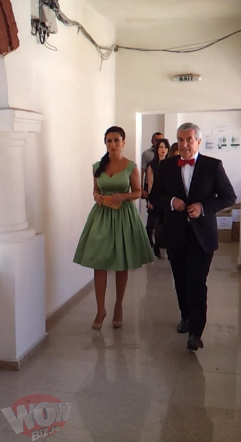 Vezi primele imagini cu Calin Popescu Tariceanu si sotia, mire si mireasa! Astazi a avut loc petrecerea de nunta a celor doi!