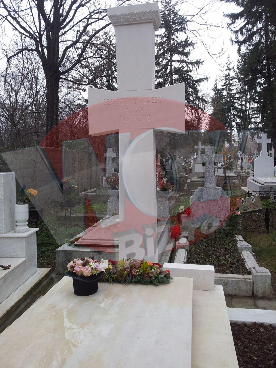 Exclusiv! Vezi cum arata mormantul lui Sergiu Nicolaescu din Cimitirul Bellu Militar! Vaduva regizorului i-a facut si parastas de un an