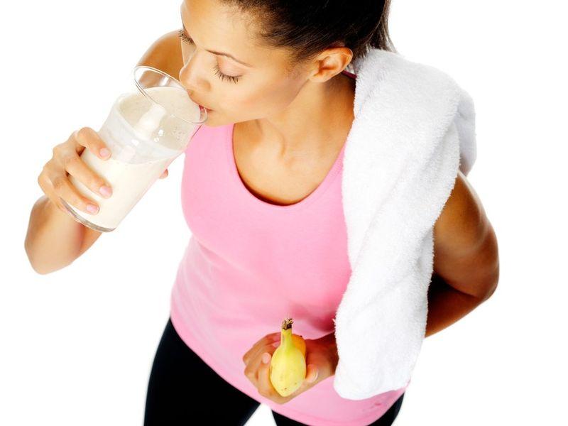 DIETĂ // Ce trebuie să mănânci înainte şi după sală | Sport