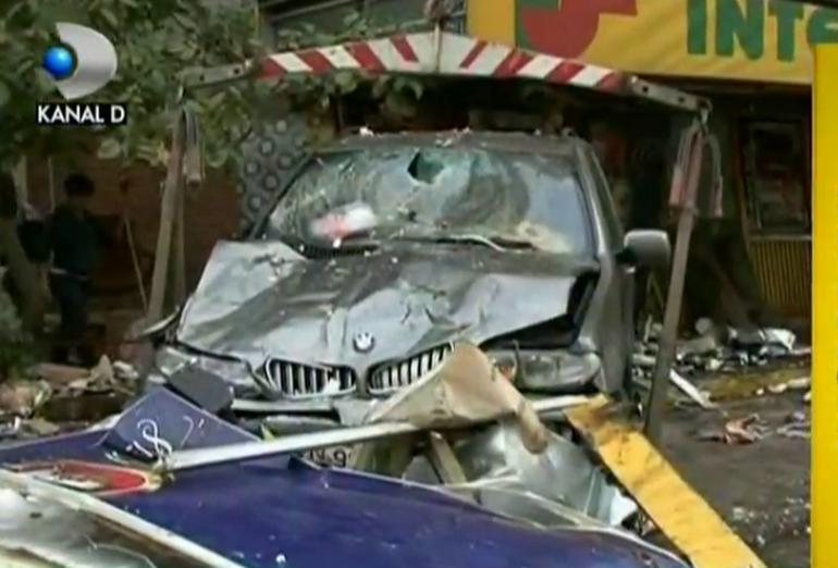 A facut prapad! O politista beata moarta a provocat un accident teribil! Vezi aici imagini de la fata locului!