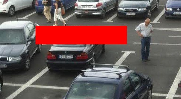 Vai de capul nostru! Uite ce a facut un smecher cu BMW in parcarea unui supermarket - Se credea smecher, insa toata lumea a ras grav de el