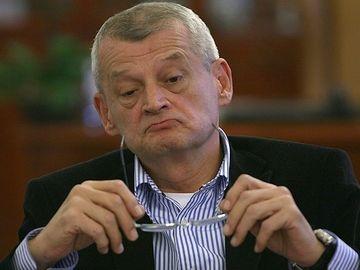 Sorin Oprescu a ajuns la patru doze pe zi de insulina! In inchisoare, si-a administrat supradoze