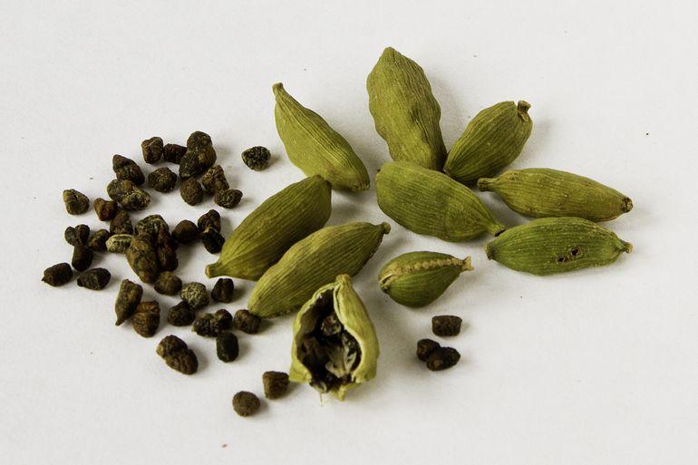 Cardamom este condimentul pe care TREBUIE sa il consumi! De ce e bine sa il bei cu cafea