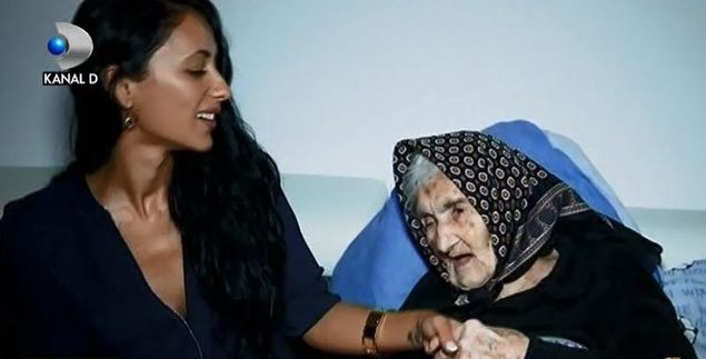 Bunica şi nepoţelul de la Iaşi care l-au copleşit de emoţie pe papa Francisc - Vatican News