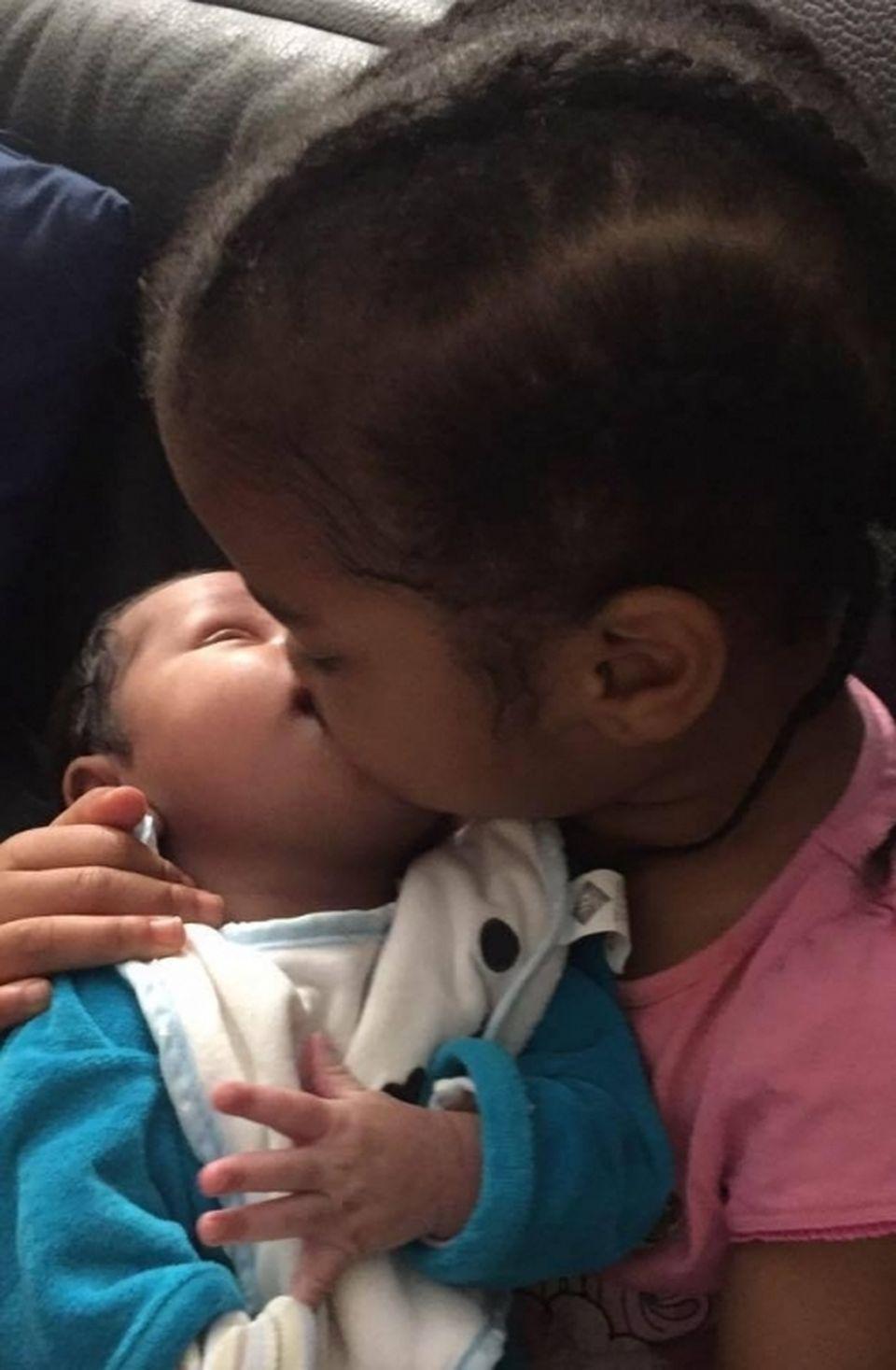 Îţi sfâşie inima! Soţia lui Patrick Ekeng a născut! Prima imagine cu bebeluşul