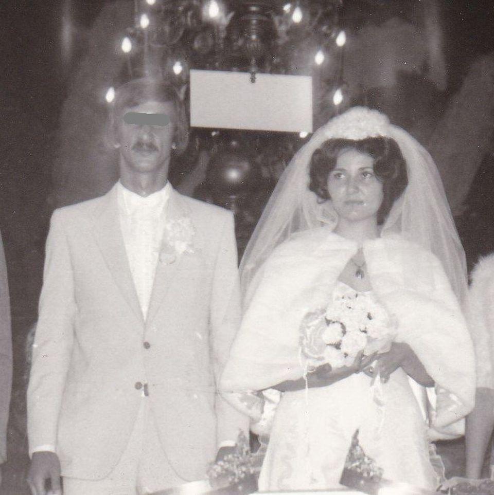 Imagini emotionante cu astrologul Tina Rizea, care a murit aseara, la 60 de ani! Uite cat de frumoasa si de fericita era Florentina la nunta ei! Poze de colectie