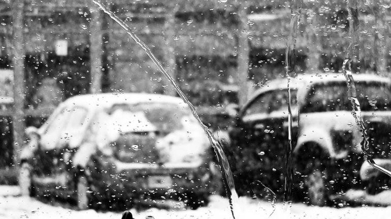 ALERTA meteo! Ploile si ninsorile lovesc Romania