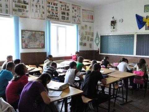Nu se mai fac ore! Trei zile de doliu national in scolile din Romania