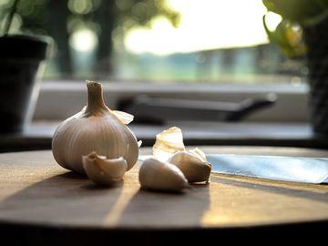 Cea mai eficienta cura de slabire: dieta cu usturoi