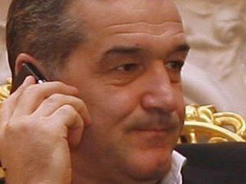Casele ridicate de Gigi Becali si de guvern la Rast, dupa inundatiile catastrofale din 2006, scoase la vanzare de... sateni! Cat cer pe un imobil | EXCLUSIV