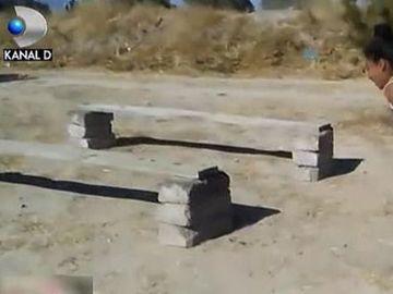 Mai multi copii din Mexic si-au improvizat un traseu ca la Exatlon! Imagini amuzate cu pustii. Uite cum se distreaza