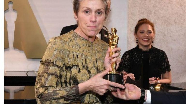 Oscarul pentru cea mai buna actrita in rol principal a fost furat. Laureata Frances McDormand, in lacrimi, dupa ce a ramas fara premiu