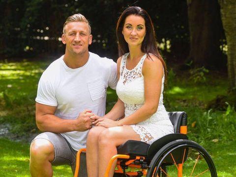 """A ramas paralizata si sotul ei a parasit-o! Este incredibila intorsatura pe care a luat-o viata acestei femei! """"In sfarsit traiesc viata pe care o merit"""""""