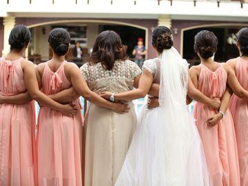 Cum alegi rochiile domnişoarelor de onoare - sfaturi şi ponturi