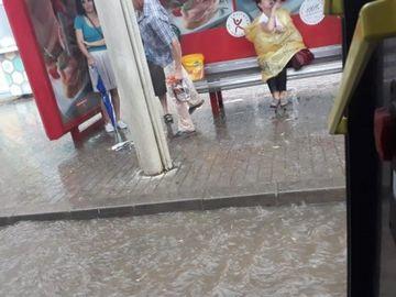 Ploaia torentiala a facut prapad in Iasi! Soselele orasului arata ca dupa potop
