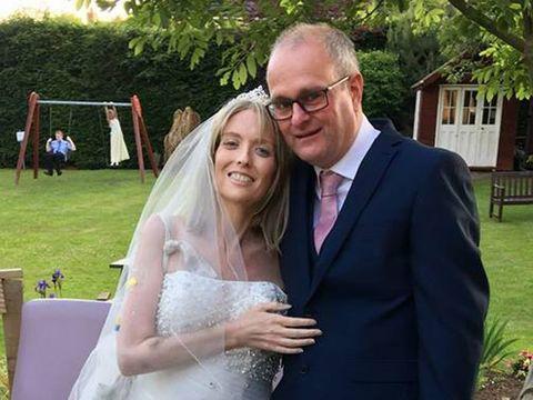 Mireasa care a murit fericita. Macinata de boala, o femeie s-a maritat cu doar 2 saptamani inainte sa se stinga din viata