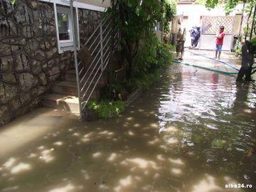 Ploile au distrus 99 de localitati din Romania! Apele au lasat dezastru in urma