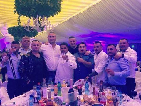 Nunta in clanul Cordunenilor! Adrian Minune a facut show la eveniment