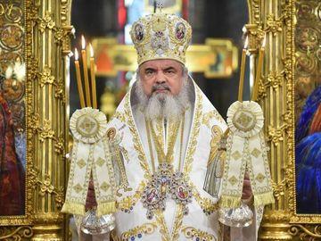 Imagini fabuloase! Cum arata Patriarhul Daniel in tinerete!