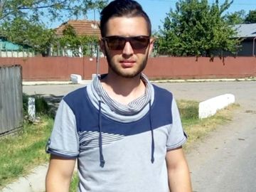 Marius Pascu, tanarul care si-a dat foc in Buzau, a murit