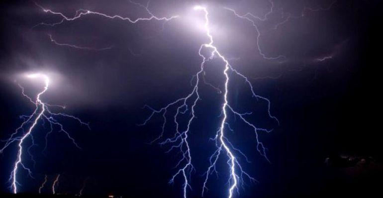 ALERTA de vreme severa! ANM: Furtuni, ploi torentiale si grindina in 12 judete din tara